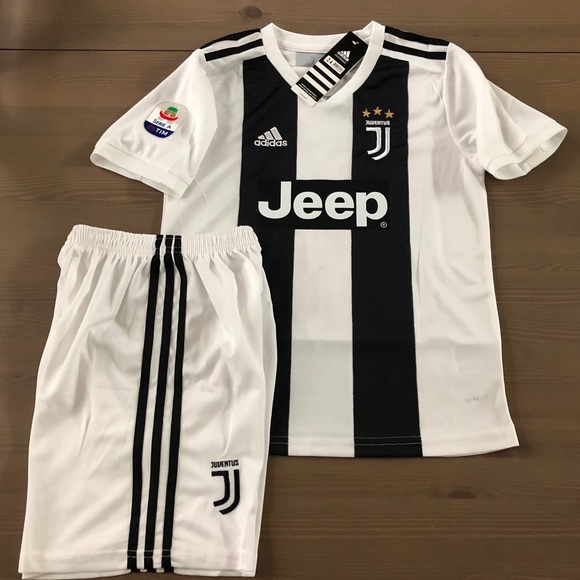 newest 7f2a0 c7a85 Kids Kit Juventus home Ronaldo #7 soccer Jersey NWT